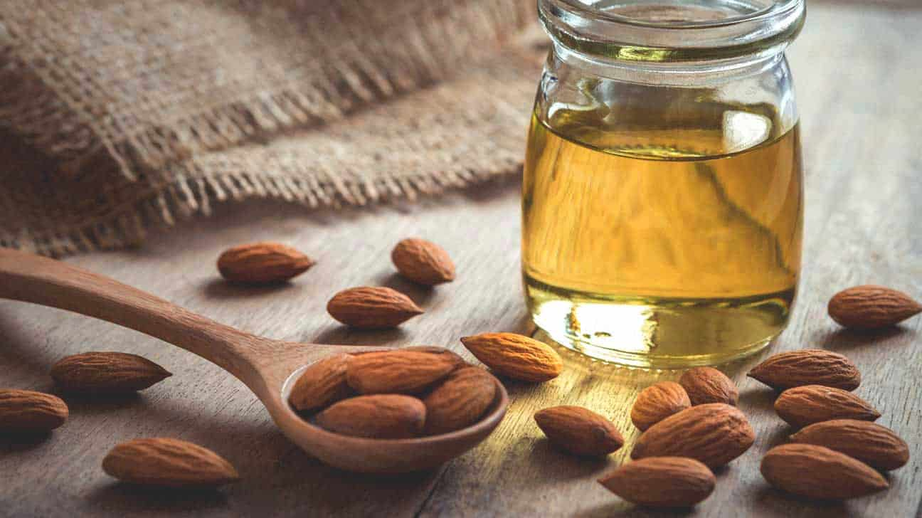 almond-oil-and-almonds
